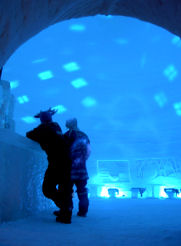 chateau de neige ice bar